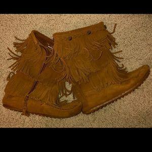 Girls Fringe Minnetonka Boots